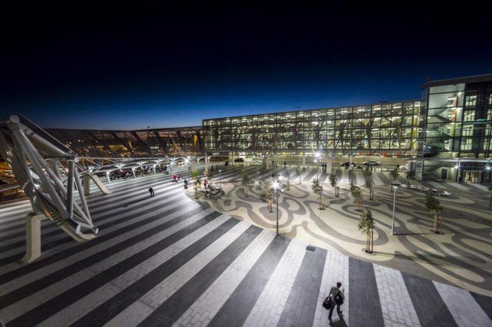 Летищата могат да генерират достатъчно слънчева енергия за захранване на цели градове