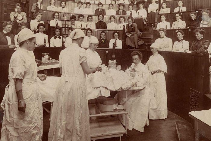 Жените в науката през вековете