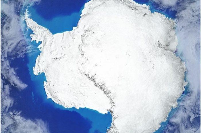 Южният полюс, скован в най-студената зима, регистрирана досега