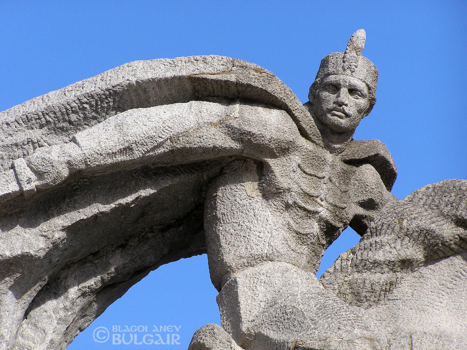 Паметник - Бенковски в Коприщица