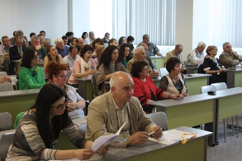 Започна работата на Шестата лятната научна сесия на Юридическия факултет на Варненския свободен университет стартира