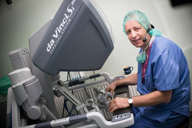 Първа демонстрация на роботизирана хирургия в реално време бе извършена в Плевен