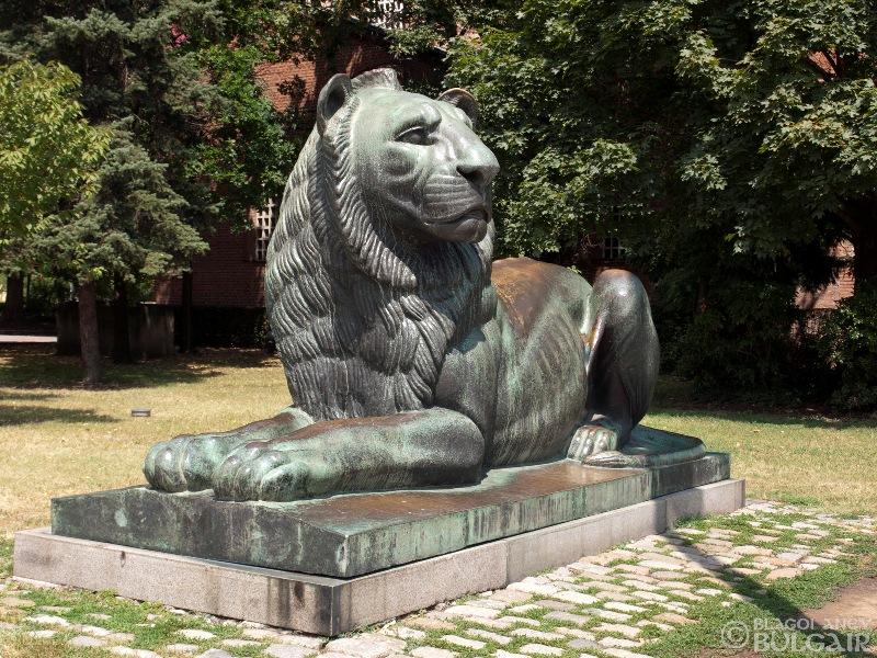Паметник на Незнайния воин в София