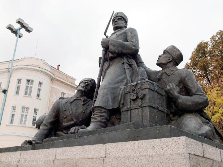 Паметник на Гюро Михайлов и неговите другари в Пловдив