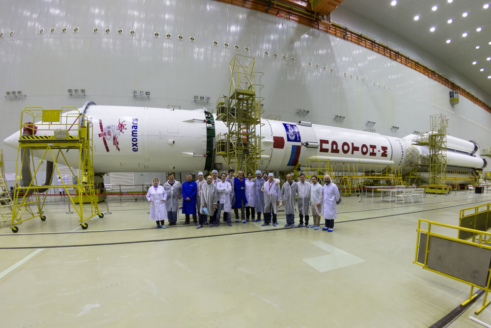 Ракетата Протон-М за полет до Марс бе сглобена!