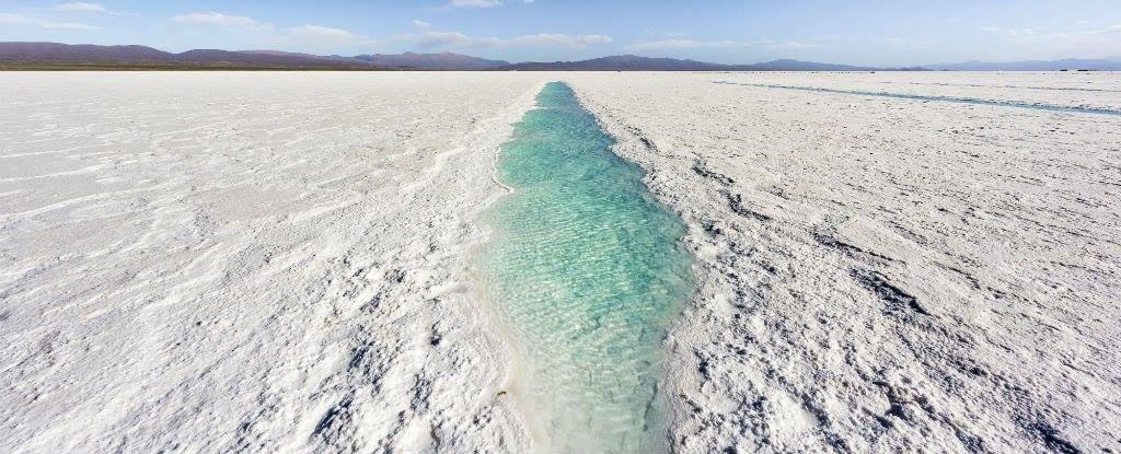 Учени измислиха как да отделят солта от морската вода