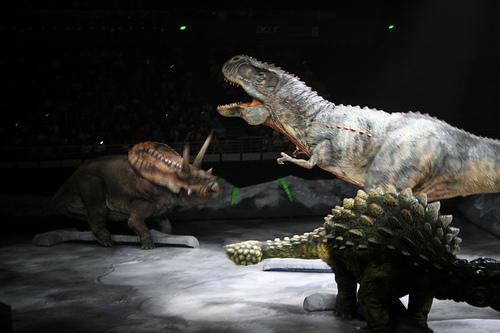Учени попадат на доказателства, че някои динозаври са ловували през нощта