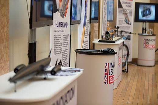 Британската изложба за иновации, представена в София по време на визитата на премиера на Великобритания, вече е отворена за посетители